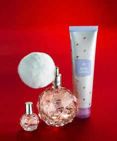 Every Ariana Grande fan is going to have this on her holiday wishlist! This exclusive Ari by Ariana Grade gift set includes the perfume, body lotion and a mini travel scent.
