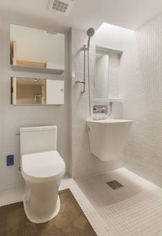 Woonam Urban Housing : 모던스타일 욕실 by Strakx associates Small Bathroom Mirrors, White Bathroom Cabinets, Small Space Bathroom, Rustic Bathroom Vanities, Upstairs Bathrooms, Bathroom Countertops, Bathroom Design Small, Bathroom Layout, Bathroom Interior
