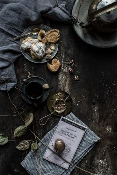 Earl Grey Waffles and Whipped Honey Cream – Pies and Tea Dark Food Photography, Flat Lay Photography, Lifestyle Photography, Photography Ideas, Creative Food Art, Key Food, Cookies Et Biscuits, Light Recipes, Food Presentation