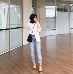 Trendy Fashion Hijab Style Simple Chic hijab casual re… – Hijab Fashion 2020 Hijab Casual, Simple Hijab, Casual Ootd, Casual Jeans, Casual Chic, Modern Hijab Fashion, Street Hijab Fashion, Muslim Fashion, Look Fashion