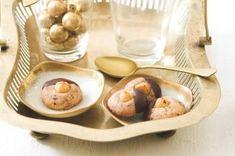 Pařížské ořechy | Apetitonline.cz Serving Bowls, Stuffed Mushrooms, Menu, Vegetables, Tableware, Recipes, Food, Stuff Mushrooms, Menu Board Design