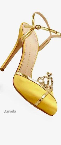 Your World of Fashion Jaune Orange, Canary Diamond, Cheap Heels, Run Dmc, Old Hollywood Glamour, Luxury Fashion, Womens Fashion, Beige, Fashion Heels