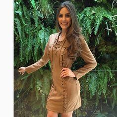 A gata @camilakaram se amarrou em nosso 'dress' em suede para um feriado quentinho e cheio de estilo, que tal?! #reginasalomao #BeCool #Aw16 #momentoRS