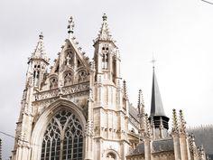 Un week-end à Bruxelles (mon cityguide) Wonderland, Week End, Notre Dame, Barcelona Cathedral, Building, Travel, Brussels, Viajes, Buildings