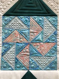 Quilting Rulers, Longarm Quilting, Quilting Tips, Long Arm Quilting Machine, Machine Quilting Designs, Free Motion Embroidery, Free Motion Quilting, Quilting Stitch Patterns, Flying Geese Quilt