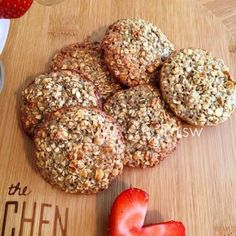 Syn Free Oat Cookies Syn Free Oat Cookies astuce recette minceur girl world world recipes world snacks Slimming World Cookies, Baked Oats Slimming World, Slimming World Puddings, Slimming World Cake, Slimming World Desserts, Slimming World Recipes Syn Free, Oat Cookie Recipe, Oat Cookies, Judith