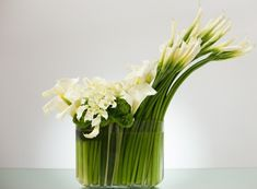 art deco style flower arrangements | Art Deco florals are often defined by modern, geometric lines. A prime ...