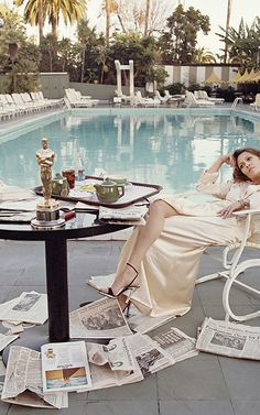 Faye Dunaway, morning after first Oscar win. | Co.Design
