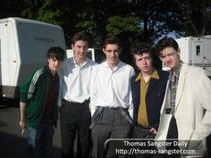 Thomas with the cast of Nowhere Boy Nowhere Boy, Maze Runner Cast, Aaron Taylor Johnson, Thomas Brodie Sangster, I Love Him, Future Husband, The Beatles, Famous People, How To Look Better