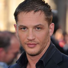 "Ever since my obsession with ""INCEPTION"" first began I've been intoxicated by the spirit of Tom Hardy. Born September 1977 and raised in East Sheen, London, Tom Hardy studied at Ree Tom Hardy Fotos, Tom Hardy Tattoos, Gorgeous Men, Beautiful People, He's Beautiful, Hello Gorgeous, Pretty People, Toms, Hollywood Glamour"