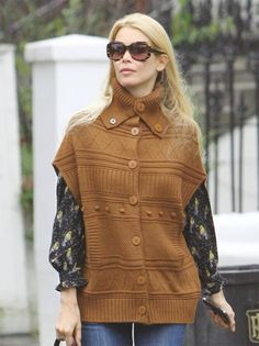 Fashion pictures or video of Claudia Schiffer street style: casual chic; in the fashion photography channel 'Society'.