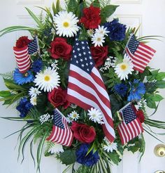 Create an Easy Patriotic Wreaths for Labor Day Holiday .View these Easy Homemade Patriotic Wreaths Decorations for Labor Day Holiday and the of July. Patriotic Wreath, Patriotic Crafts, Patriotic Decorations, 4th Of July Wreath, Memorial Day Wreaths, Memorial Flowers, Memorial Ideas, 4th Of July Celebration, Fourth Of July