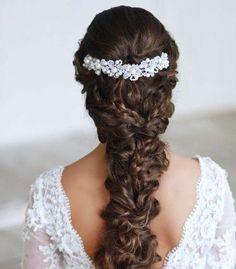 22 Glamorous Wedding Hairstyles for Women - Pretty Designs Wedding Hairstyles For Women, Indian Bridal Hairstyles, Wedding Hairstyles For Long Hair, Bride Hairstyles, Hairstyle Wedding, Style Hairstyle, Classy Hairstyles, Bridal Hairdo, Updos Hairstyle