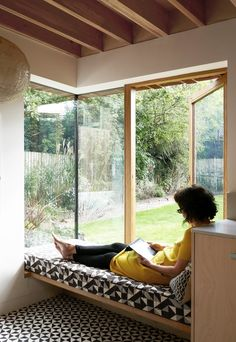 *corner window seat + solid elements Lacy Brick by Pamphilon Architects Interior Exterior, Interior Architecture, Interior Design, Modern Interior, Interior Livingroom, Bay Window Benches, Window Seats, Window Seat Kitchen, Brick Extension