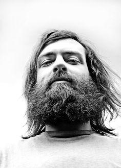 Dapper beards and gentleman lifestyle. Pin Man, Hipster Beard, Clean Shaven, Awesome Beards, Beard Gang, Bearded Men, Long Hair Styles, Dapper, Gentleman