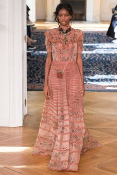 A new beginning demands a certain forgetfulness. In order to rewrite history one should forget about it and retain the essence, moving quickly and irreverently to explore the pleasures of metamorphosis. Valentino-spring-2017