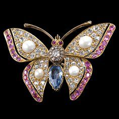 Antique Diamond Sapphire and Ruby Butterfly Brooch Insect Jewelry, Butterfly Jewelry, Animal Jewelry, Victorian Jewelry, Antique Jewelry, Vintage Jewelry, Jewelry Accessories, Jewelry Design, Antique Brooches