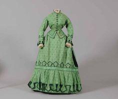Walking dress, 1868