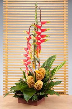 New flowers arrangements diy fresh Ideas Neue Blumenarrangements diy frische Ideen This image has get Ikebana Arrangements, Easter Flower Arrangements, Creative Flower Arrangements, Tropical Floral Arrangements, Ikebana Flower Arrangement, Beautiful Flower Arrangements, Flower Centerpieces, Flower Decorations, Tropical Flowers
