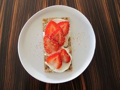 8. Strawberries and Spice | 8 Healthy And Delicious Take-To-Work Snacks