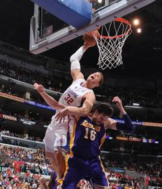 Blake dunks on Pau #1