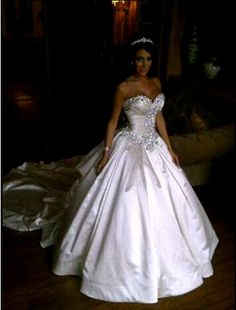 Jennifer Stano looks like a real life princess in her # Pnina Tornia dress. Amazingly beautiful!!!!