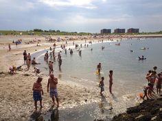 Strand augustus 2013 - op de achtergrond Residence Weumelinghe waar je heerlijk kunt wonen met vrij uitzicht over de Oosterschelde!