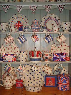 Emma Bridgewater Diamond Jubilee with Red Star and Starry Skies Royal Room, Decoupage, Emma Bridgewater Pottery, Emma Love, Welsh Dresser, Shabby Chic Dining, Union Flags, Pip Studio, Tea Art