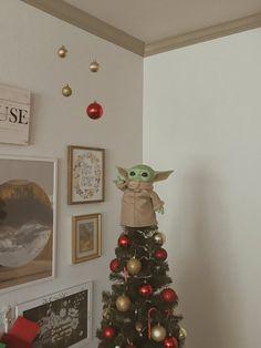 Christmas Tree Goals, Star Wars Christmas Tree, Christmas Tree Toppers, All Things Christmas, Christmas Time, Christmas Crafts, Merry Christmas, Christmas Decorations, Xmas