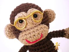 Crocheted by AmigurumisFanClub!!! Tutorial. How to make wire glasses for dolls: http://www.amigurumitogo.com/2014/06/how-to-make-wire-glasses-for-dolls.html
