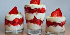 Jahodové tiramisu ♥ Tiramisu, Dessert Recipes, Desserts, Panna Cotta, Cheesecake, Food And Drink, Strawberry, Smoothie, Cooking Recipes