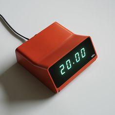 model of the classic Braun alarm clock from Retro Design, Layout Design, Dieter Rams Design, Braun Dieter Rams, Domestic Appliances, Minimal Design, Minimal Style, Desktop Accessories, Alarm Clock