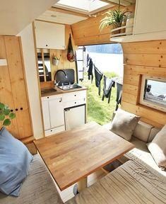 Bus Living, Tiny House Living, Small Living, Van Conversion Interior, Camper Van Conversion Diy, Diy Camper, Camper Life, Kombi Trailer, Kombi Home