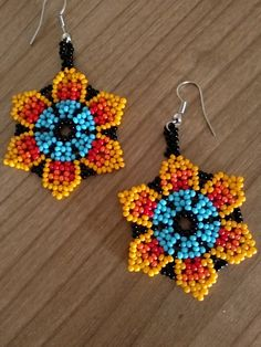 Beaded Flowers Patterns, Beading Patterns, Diy Jewelry, Beaded Jewelry, Handmade Jewelry, Bead Earrings, Crochet Earrings, Japanese Patchwork, African Necklace