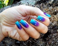 Green blue and violet Ombre nail art design. This galaxy inspired color combination looks simply stunning and amazing and can go with almost any of your outfits.