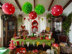 Cumpleaños Caperucita Roja Happy Birthday Girls, First Birthday Parties, Birthday Celebration, 2nd Birthday, First Birthdays, Dessert Table Birthday, Birthday Party Decorations, Red And White Mushroom, Red Riding Hood Party