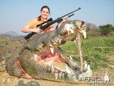girls and aligators | BIG crocodile with proud girl ! - Hunting, Bowhunting, Fishing Photos ...