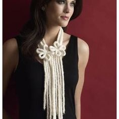 One-Ball Lariat Necklace FREE knitting pattern in Bulky yarn