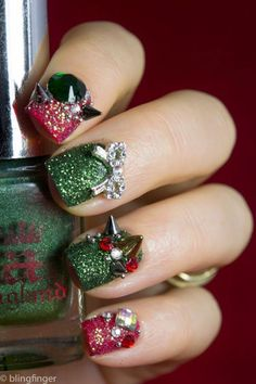 Nail art trend is the cutest of fashion that I know.