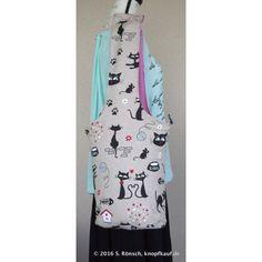 Eine Tasche mit Katzenmotiv
