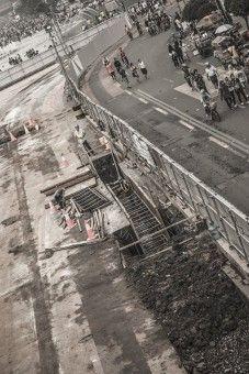 Di sela keriuhan masyarakat kota Jakarta dalam menikmati liburan via program Car Free Day, pembangunan Mass Rapid Transportation masih harus tetap berjalan.