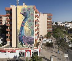 Os incríveis murais em graffiti de Aryz