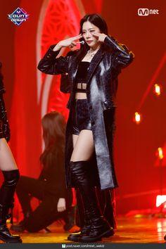 South Korean Girls, Korean Girl Groups, Stage Outfits, Girl Outfits, Kim Min Ji, Jiu Dreamcatcher, Red Queen, Pink Princess, Kpop