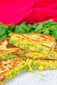 Vegan Cheese Quesadillas are live and it's time to jump on the Mexican food train - with just 6 ingredients, 3 easy steps and of course gluten free. Lunch Box Recipes, Vegan Dinner Recipes, Vegan Snacks, Vegan Dinners, Mexican Food Recipes, Appetizer Recipes, Vegan Foods, Lunch Ideas, Healthy Snacks