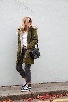 The Parka the Fashion Me Now way Parka Outfit, Khaki Coat, Khaki Parka, Green Parka Jacket, Green Coat, High Top Vans Outfit, Look Fashion, Winter Fashion, Fashion Styles