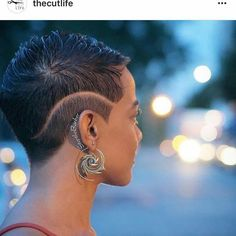 Cool Cuts - 26 Short Haircut Designs Your Barber Needs To See Cabello Afro Natural, Short Hair Designs, Curly Hair Styles, Natural Hair Styles, Haircut Designs, Undercut Designs, Cut Life, Sassy Hair, Hair Journey