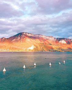 Couleur du soir lac et montagne Mount Rainier, Nature, Travel, Lake Annecy, Family Travel, Mountain, Color, Naturaleza, Viajes