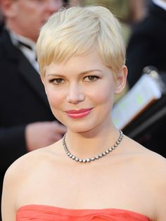 Michelle I Williams donned her signature pixie hairstyle at the Academy Awards