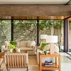 Master Bath : Marmol Radziner Designs a Modernist Beverly Hills House : Architectural Digest