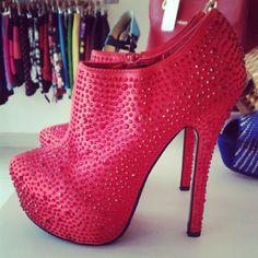 Pink Studded Booties                                                                                                                               ᖽ•Ꮰ੬ℕട❜̋ᗷѳꂷɬίǪṳ̈ℯ•ᖾ
